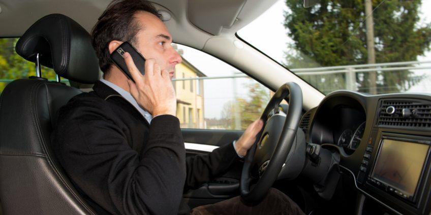 conduire pour le travail les dangers du t l phone au volant ast67 alsace sant au travail. Black Bedroom Furniture Sets. Home Design Ideas